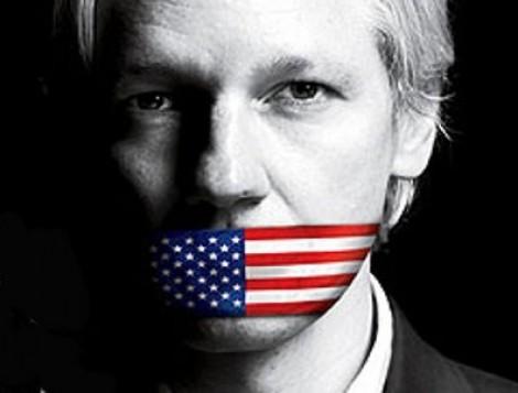 Je zal maar de moeder van Julian Assange zijn. En zien hoe hij opgejaagd wordt door de VS die zich op hun pik getrapt voelen en in Zweden een zaak van ... - john-pilger-interviews-julian-assange