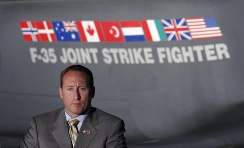reuters 7 22 10  Peter MacKay F 35.preview