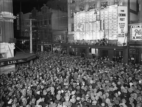 history-wellington-crowd