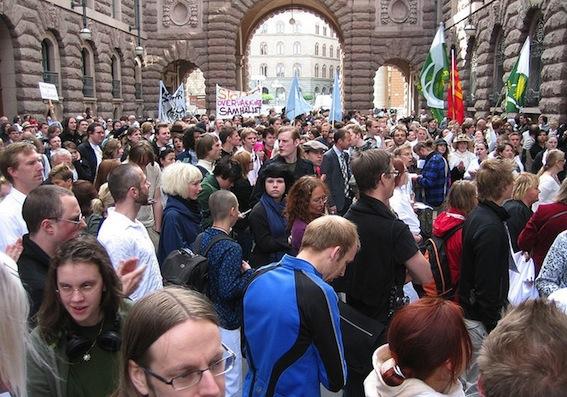 800px-Anti_fra_demonstration_stockholm_080618