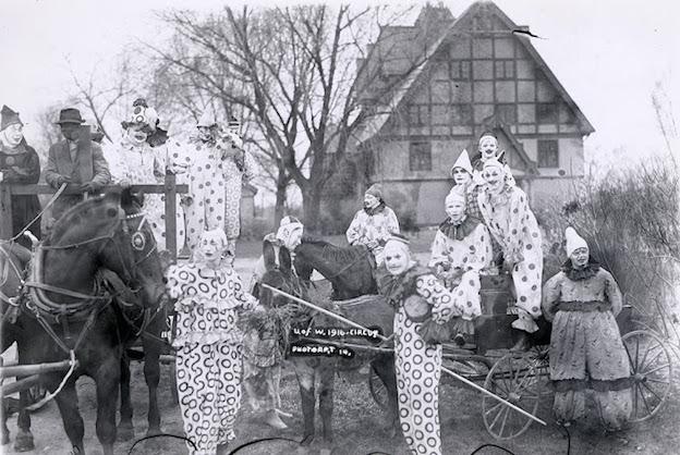 1916_clowns