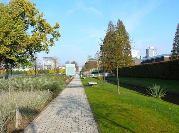 Museumpark.-Rotterdam.-OMA-Rem-Koolhaas-Kunsthal-1985-1993-E.L.J.M.-van-Egeraat-Natuurmuseum-1992-1995-P.-de-Ruiter-Parkeergarage-2006-201001