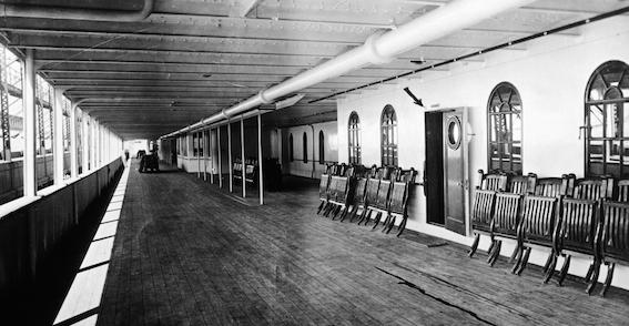 promenade-deck-titanic-P