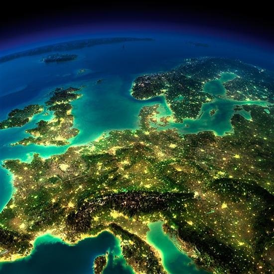 4784.shutterstock europe night original.jpg-550x0