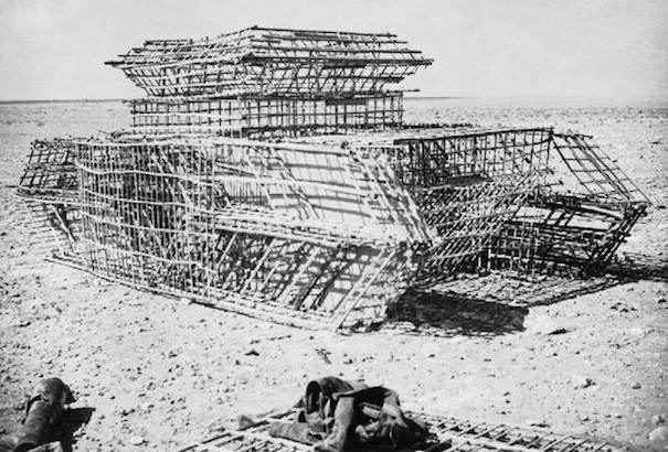 IWM-HU-59574_Constructing_a_Dummy_Tank_1942