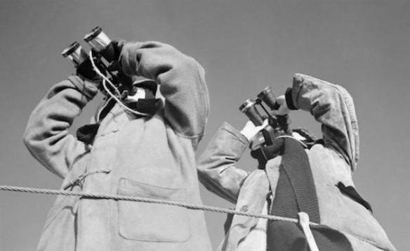 look_outs_aboard_hms_ashanti_whilst_escorting_a_russian_convoy_march_1942-_a8202