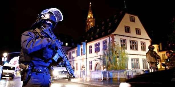 Aanslag Kerstmarkt Straatsburg Hoe Kunnen We Op Een Kleine Man